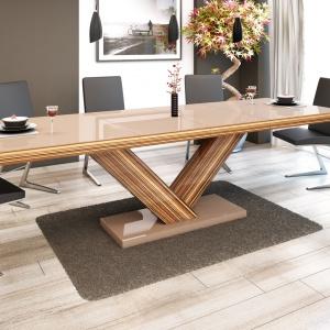Stół Victoria pokryty płytą wysokopołyskową. Fot. Hubertus Design