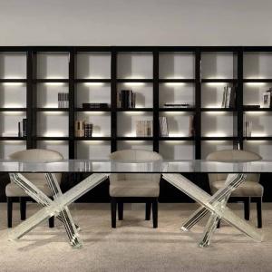 Stół ze szkła Murano. Fot. Reflex