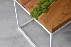 To ciekawe - stoliki kawowe z drewna i... mchu