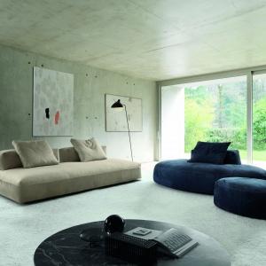 Milos to sofa o niespotykanym kształcie, określana przez producenta jako