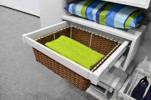 Organizacja wnętrza garderób - zestawy akcesoriów