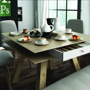Stół 4You ma funkcjonalne szufladki pod blatem. Fot. Vox