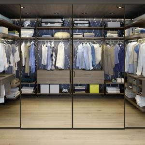 System organizacji wnętrza garderoby firmy Raumplus. Fot. Raumplus