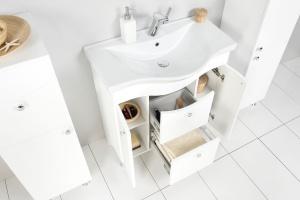 Szafki łazienkowe z motywem fali