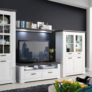 Meble z kolekcji Garland wykreują w salonie domową atmosferę – jest w niej ciepło i nastrojowy klimat. Fot. Forte