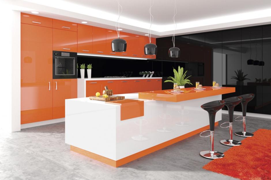 Meble i zabudowa kuchenna wykonana przy wykorzystaniu płyt Hubertus Super Połysk. Fot. Hubertus Design