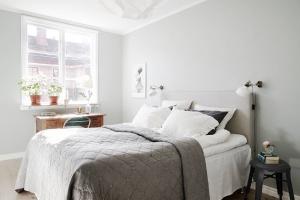 Jasna sypialnia. 5 pomysłów na styl skandynawski