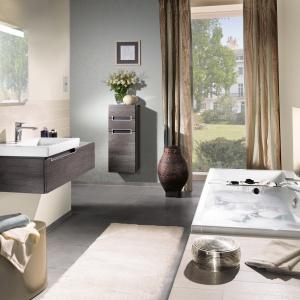 Lekkie, podwieszane meble sprawią, że mała łazienka będzie optycznie większa. Fot. Villeroy&Boch