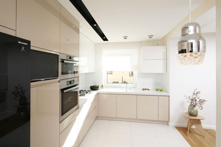 Urządzamy  Kuchnia z wysoką zabudową Zdjęcia z polskich domów  meble com pl -> Urządzamy Mieszkanie Kuchnia