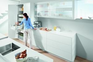Spiżarnia w kuchni. Sprytne sposoby na przechowywanie