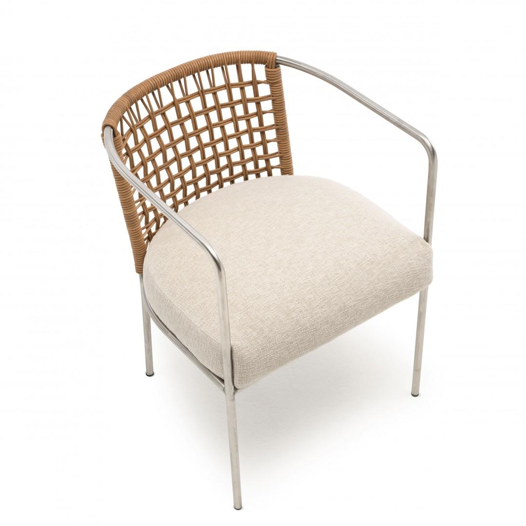 Fotel Mini Cafè zaprojektowany przez Piero Lissoniego dla marki Living Divani. Fot. Living Divani