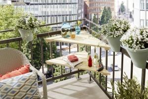 Ławka na balkonie. Zrób ją sam