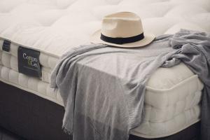 Meble hotelowe – jak wybrać idealne łóżko?