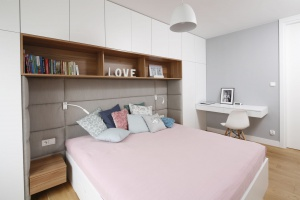 Modna sypialnia. Pomysły na miękki zagłówek