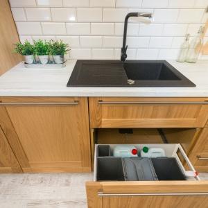 System organizacji szuflady kuchennej. Fot. Max Kuchnie