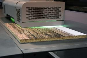 "Technologia druku UV na targach ""Furnica"""