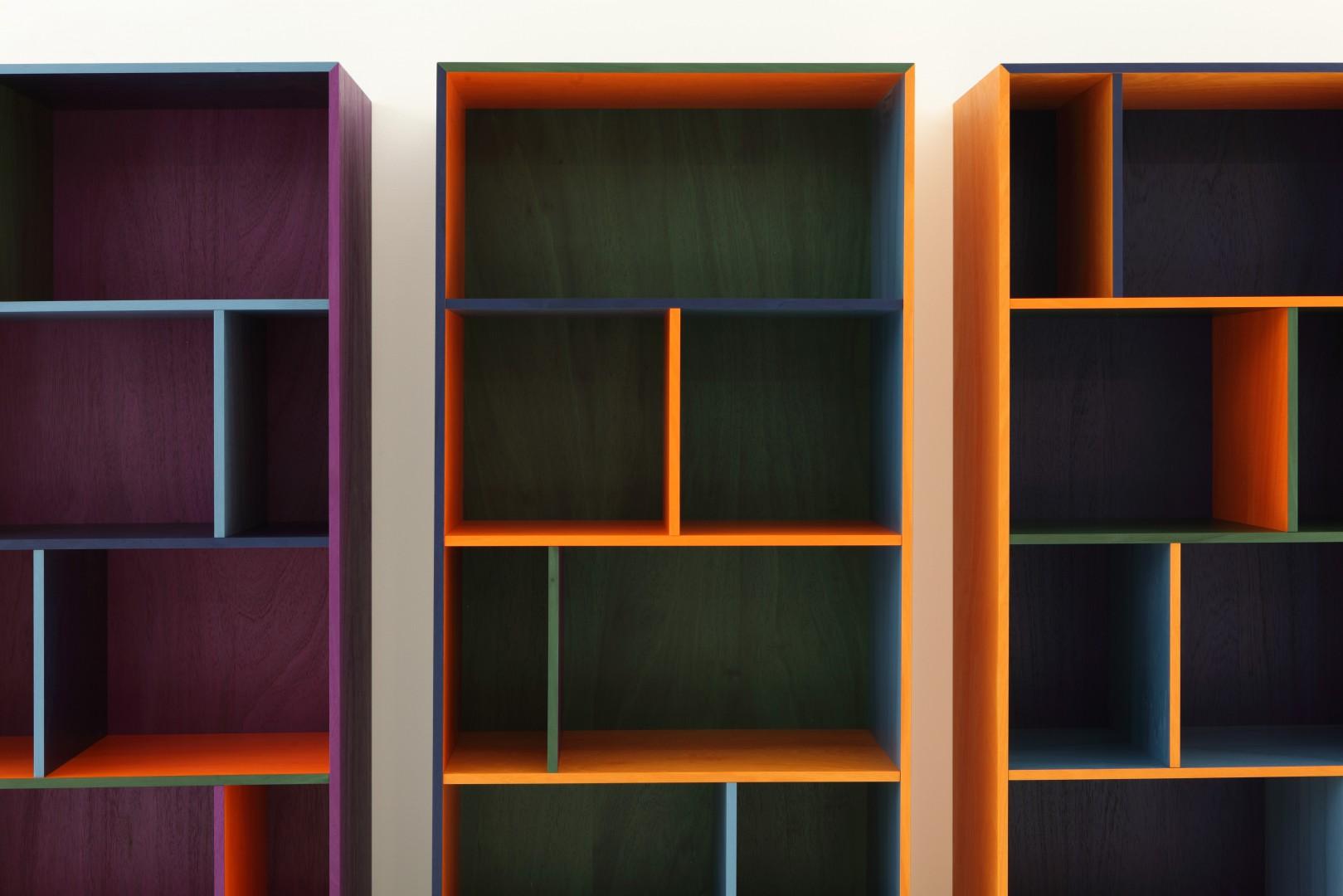 Biblioteka RGB wchodząca w skład systemu Modern włoskiej marki Porro. Fot. Porro