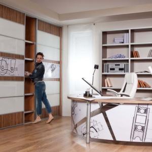 Biurowe szafy z drzwiami przesuwnymi, w których zastosowano systemy jezdne firmy Sevroll-System. Fot. Sevroll-System