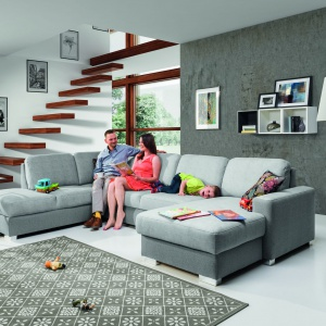 Kolekcja Chantal marki Stagra, to meble wypoczynkowe dla całej rodziny. System, w którym można dowolnie zestawiać elementy. Fot. Stagra