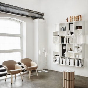 Fotel Pax marki Kinnarps, Pax to wygodny i elegancki fotel. Został zaprojektowany z myślą o pomieszczeniach, w których liczy się każdy metr kwadratowy przestrzeni, dlatego powierzchnia, którą zajmuje, jest tak mała, jak to tylko możliwe. Fot. Kinnarps