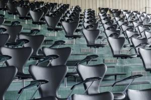 Krzesła do sal konferencyjnych - liczy się integracja