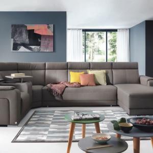 """""""Capitol"""" firmy Wajnert to kolekcja modułowa, pozwalająca konfigurować dowolne układy sof i narożników, zgodnie z indywidualnymi upodobaniami. Fot. Wajnert"""
