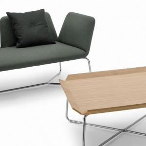 Sofa i stolik z kolekcji