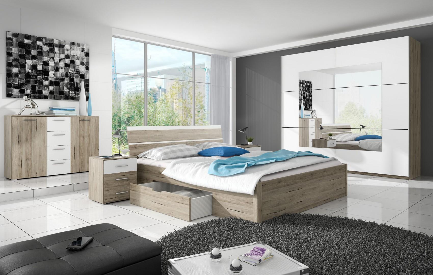 Linia szaf Beta doskonale sprawdza się w sypialniach. Kolekcja szaf przesuwnych obejmuje kilkanaście typów różniących się między sobą kolorystyką korpusów oraz kolorystyką i wykonaniem drzwi. Fot. Helvetia Weruszów