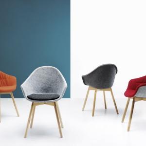 Fotele z kolekcji Mamu (Noti). Projekt: Tomek Rygalik. Fot. Noti