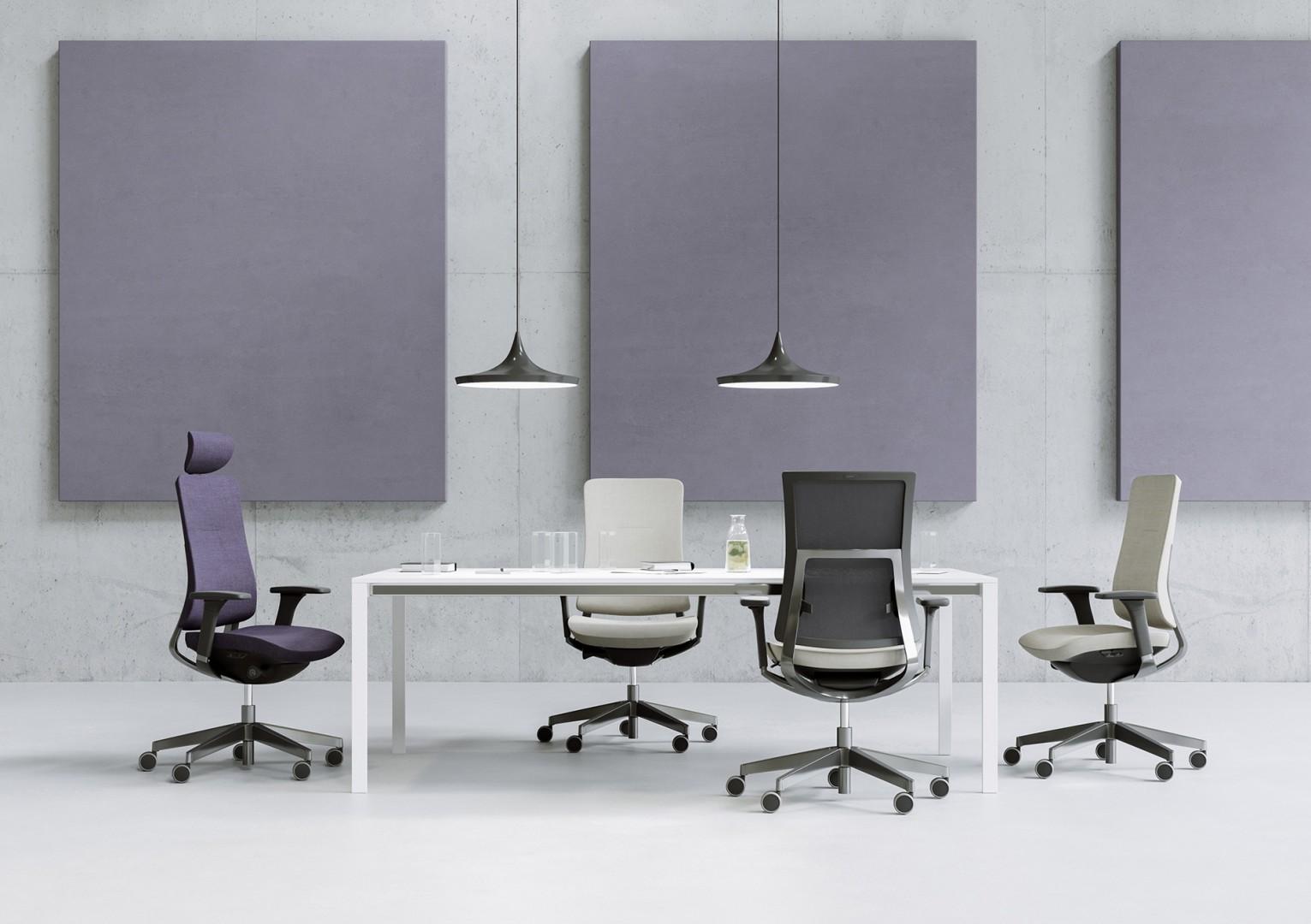 Violle - seria foteli obrotowych zaprojektowanych przez pracownię ITO Design dla firmy Profim. Fot. Profim
