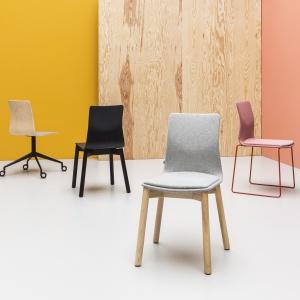 Zmieniona wersja projektu krzeseł Linar (Noti). Projekt: Piotr Kuchciński. Fot. Noti