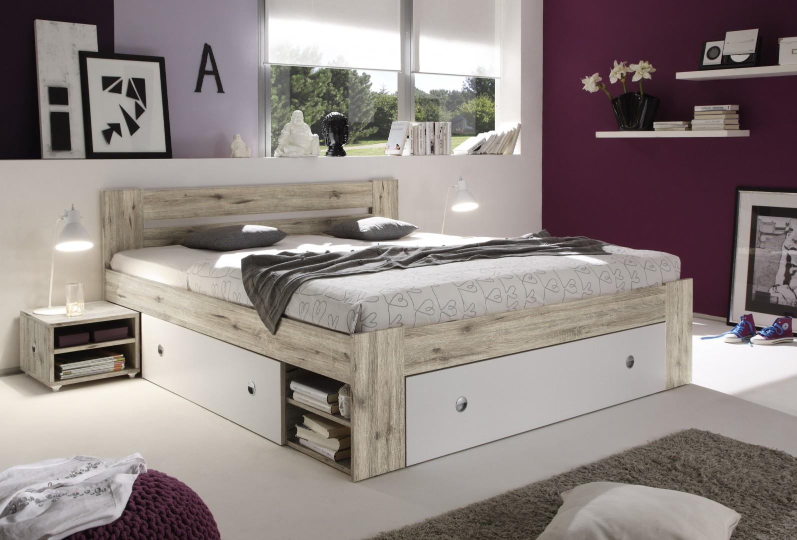 Łóżko Stefan posiada wygodne i pojemne szuflady pod materacem. Fot. Black Red White