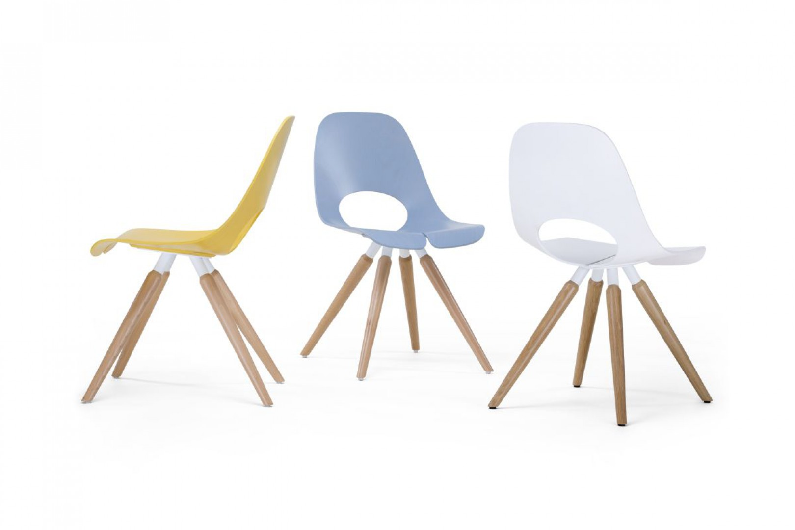 Krzesła z kolekcji Tauko zostały zaprojektowane przez Przemysława Mac Stopę dla Grupy Nowy Styl. Fot. Grupa Nowy Styl