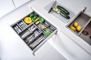Meble w kuchni. Organizacja szuflad