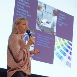 O kolekcji mebli biurowych Plus mówiła Anna Śmieszek-Markuszewska, dyrektor ds marketingu w firmie Balma. Fot. Piotr Waniorek