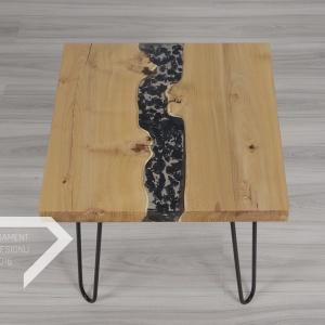 """Stolik marki Malita Just Wood. Wyróżnienie w kategorii """"nowatorskie materiały"""" w konkursie"""
