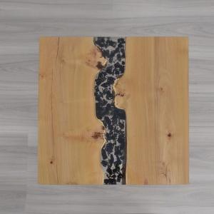 Stolik z żywicą marki Malita Just Wood. Fot. Malita Just Wood