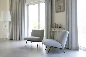 Fotel Adriana Furniture na aukcji charytatywnej