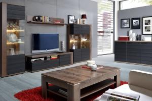 3 pomysły na ciemne meble do salonu