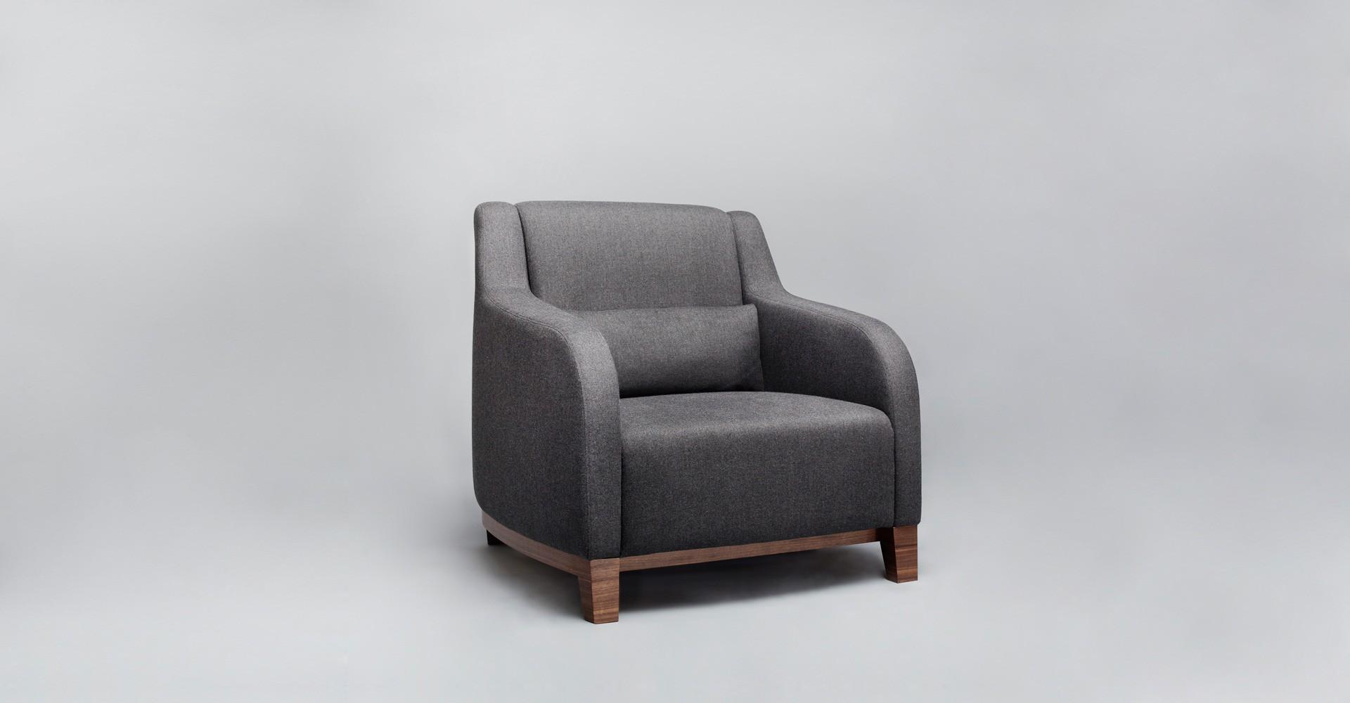 """Fotel """"Collins"""" zaprojektowany dla firmy Comforty (2011). Fot. Comforty/Ernest Wińczyk"""