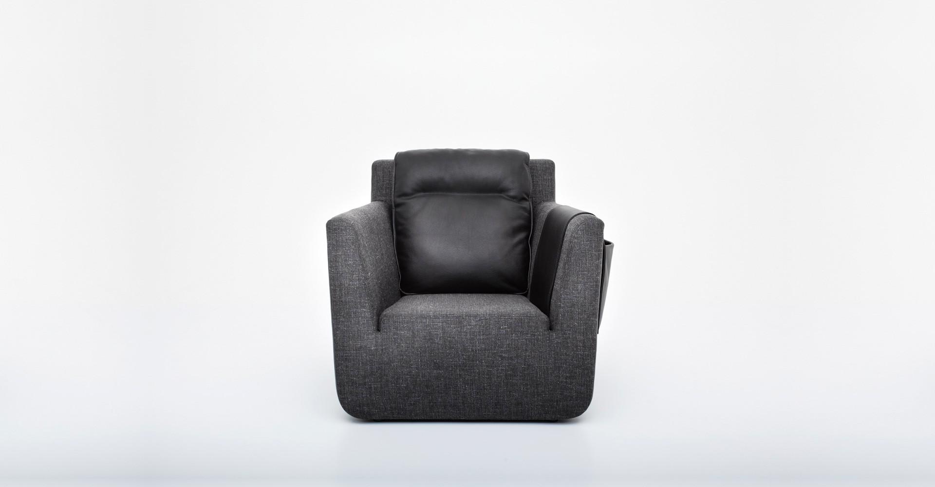 """Fotel """"Nobel"""" zaprojektowany dla firmy Comforty (2011). Fot. Comforty/Ernest Wińczyk"""