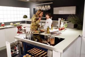 Nowoczesna kuchnia. Świetne rozwiązania dla rodziny z dziećmi
