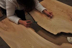 Zasady wyboru desek na stół - porady projektanta