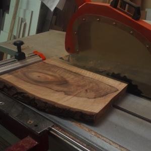 Deska z orzecha europejskiego. Fot. Malita Just Wood