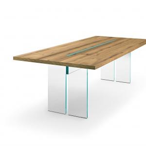 Stół jadalniany z podstawą wykonaną ze szkła. Fot.  Fiam Novita