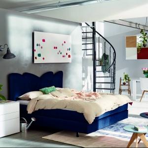 Kolekcja Now Easy. Łóżko z zagłówkiem to prawdziwa ozdoba wnętrza. Fot. Huelsta