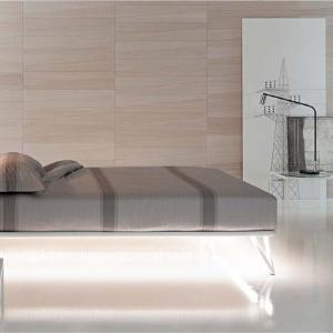 Nowoczesne łóżko Essentia marki Flou