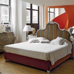 Łóżko marki Chelini