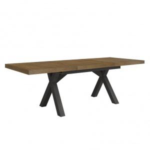 Rozłożony stół z kolekcji