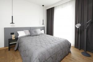 10 pomysłów na śliczną sypialnię w szarościach